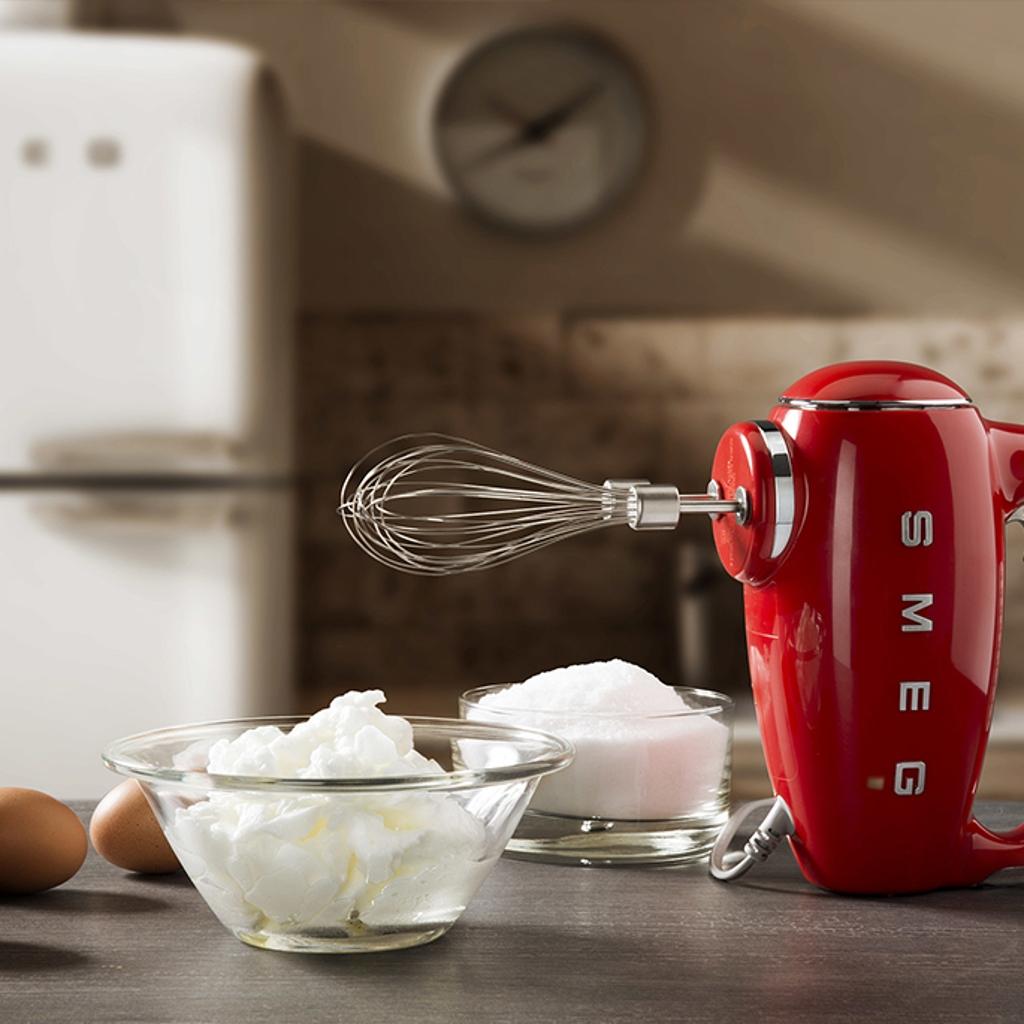 Smeg hand mixer