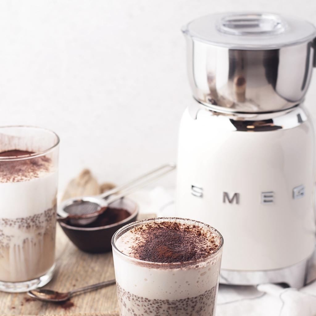 La Chocolatière / Mousseur de lait : La crème de la crème | SMEG France