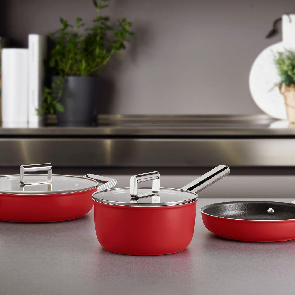 Nouveauté, découvrez la casserole SMEG | SMEG France
