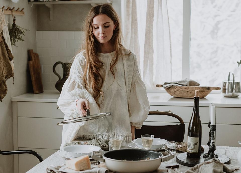 Ta del av Caroline Borgs inredningstips och fantastiska gnocchi recept