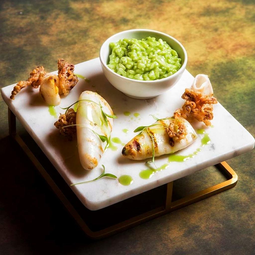 Lulas grelhadas com risotto de lima e tapenade