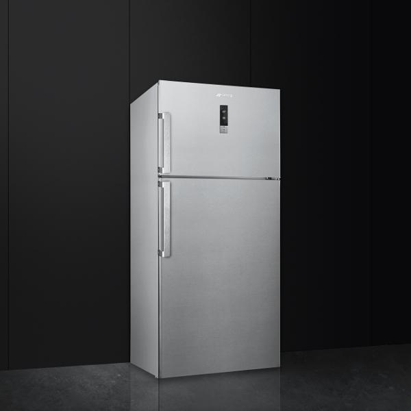 Kühl-/Gefrierkombination von Smeg mit Gefrierteil oben
