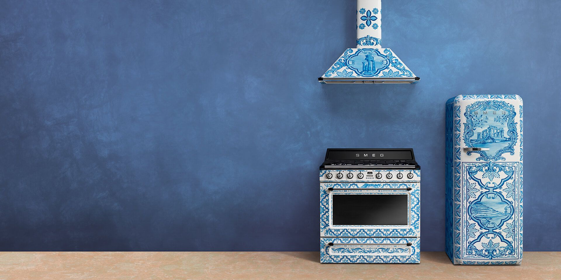 Home domestic appliances Smeg and Dolce&Gabbana