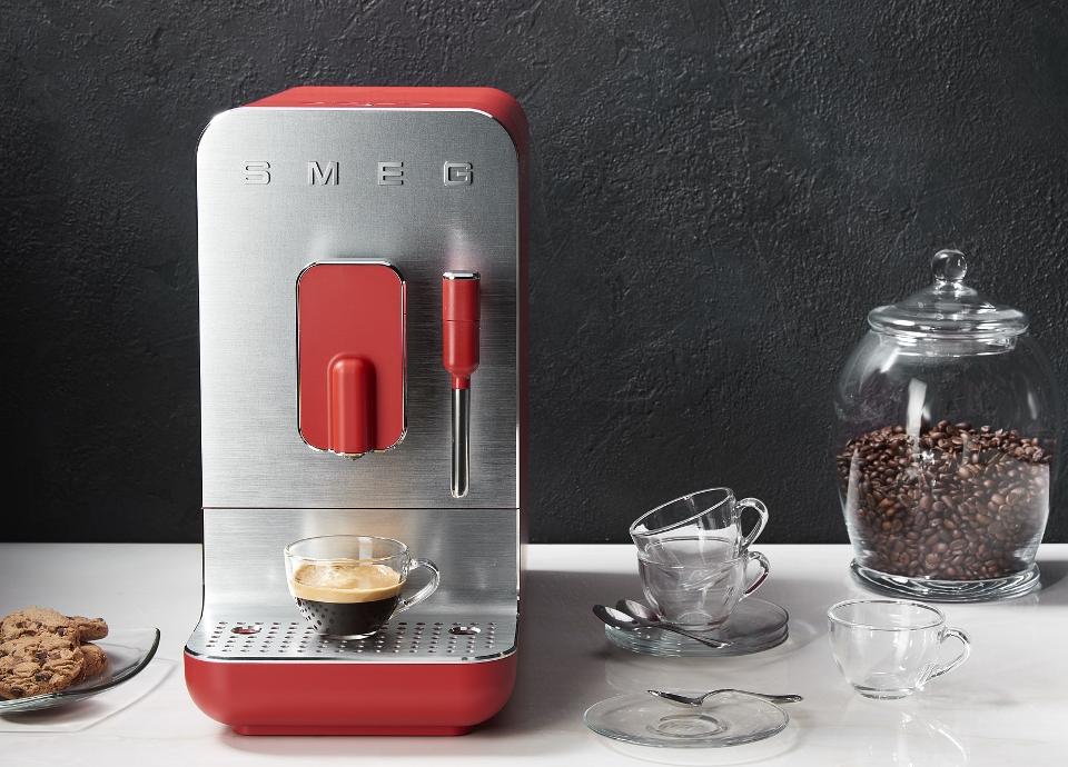 Machines à café avec broyeur intégré BCC02 Rouge mat