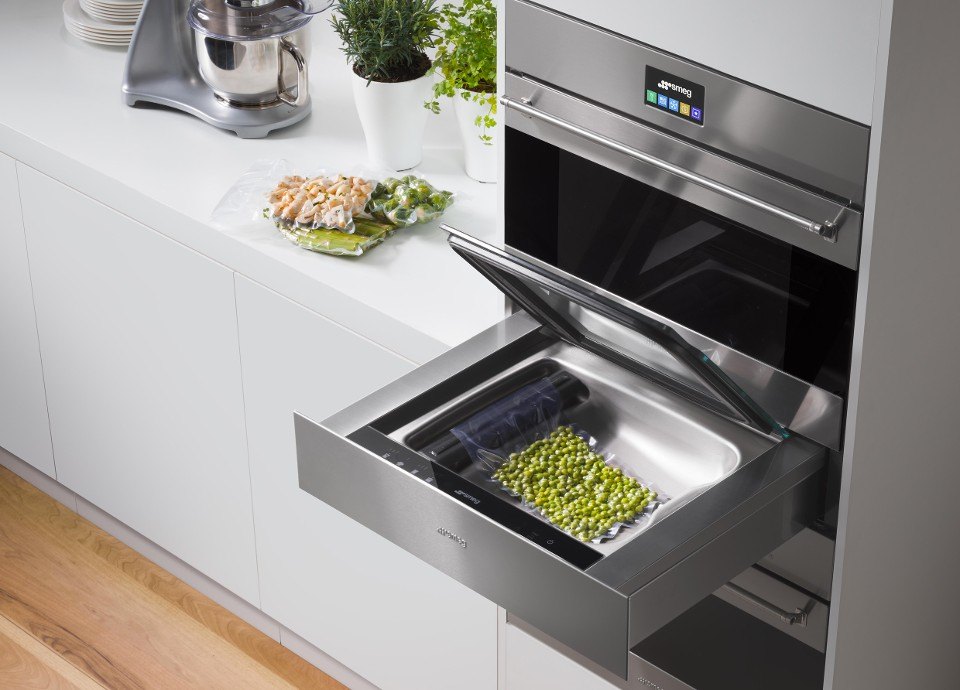 SMEG VACUUM DRAWER: EVOLUTION IN THE KITCHEN