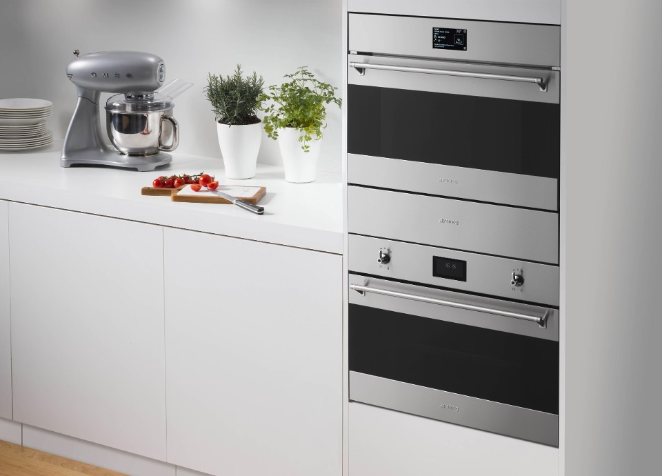SMEG BRINGS BLAST CHILLERS INTO THE DOMESTIC ENVIRONMENT