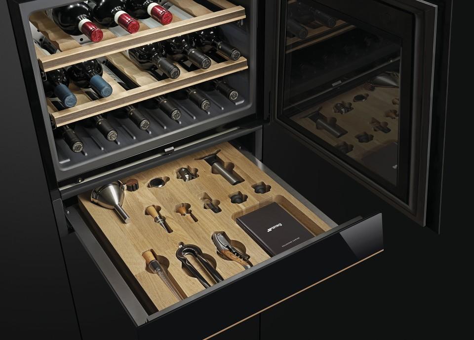 Built-in sommelier drawers
