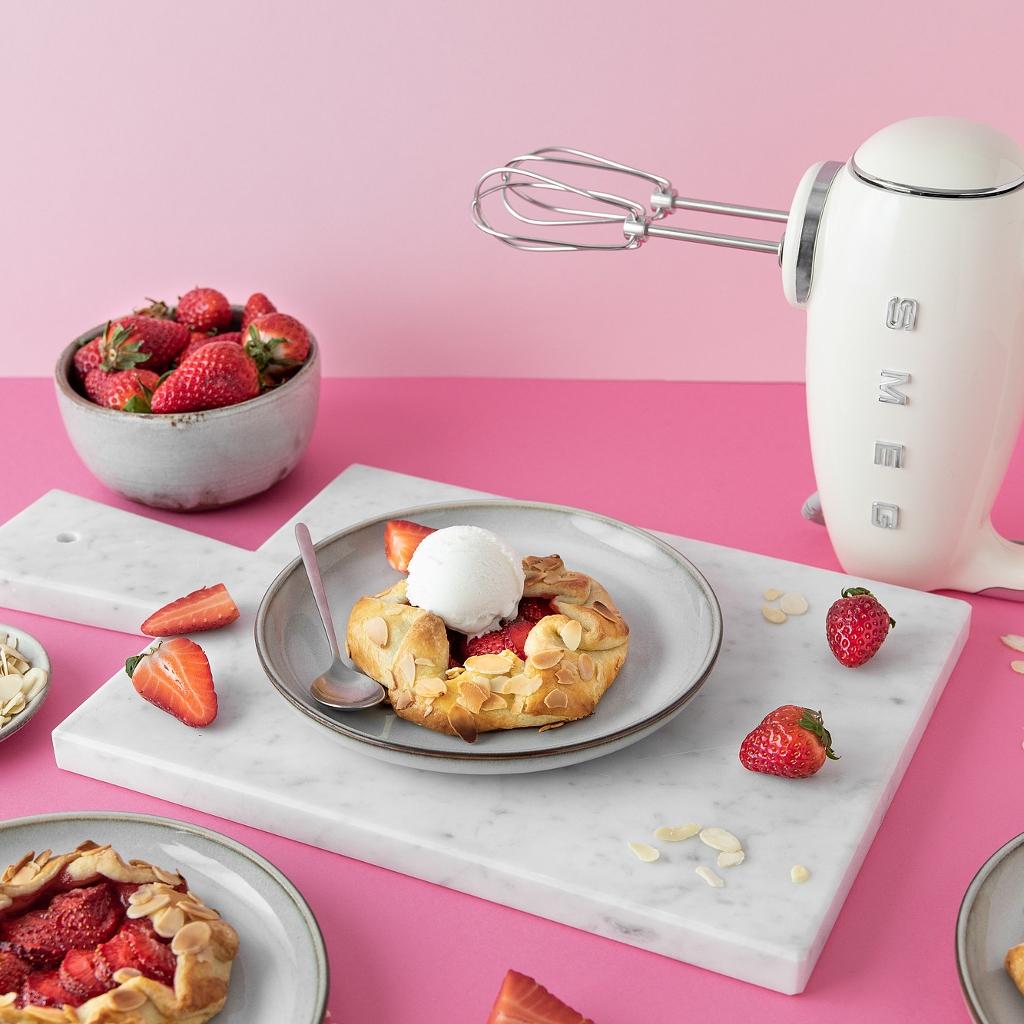 Individuales de fresa y helado de nata